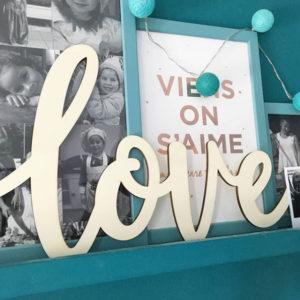 Découpe Love en bois