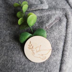 Cadeau d'invité - Badge bois