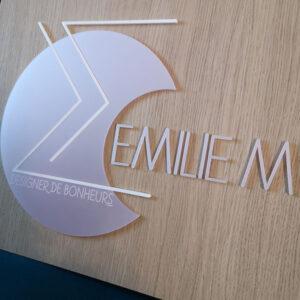 Logo Emilie M