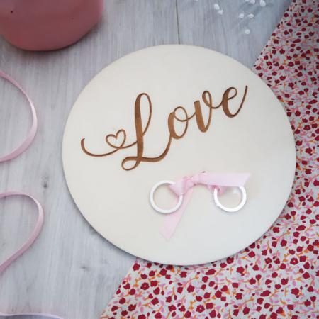Déco mariage_Porte alliances_Médaillon_Bois_Gravé_Love_Ambiance_1_600X600